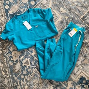 Brand new with tags figs teal scrub set jogger